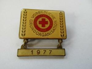 DDR Abzeichen Ehrentitel Vorbildliche Grundorganisation DRK 1977