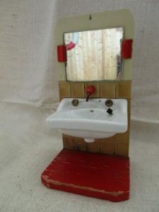 Puppenmöbel Bad Badezimmer Waschbecken mit Spiegel Holz Porzellan 60er Jahre