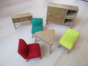 Wohnstube Wohnzimmer Sessel Tisch Schrank Puppenstube Holz 50/ 60er Jahre