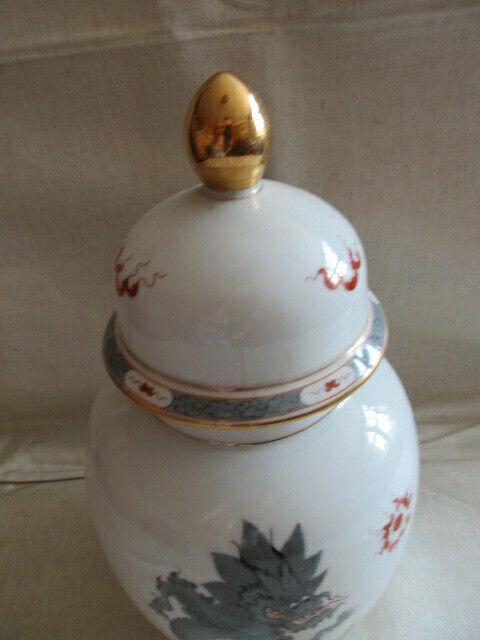 Freiberger Porzellan wunderschöne Deckelvase Vase schwarz grau Drachen Ming 1