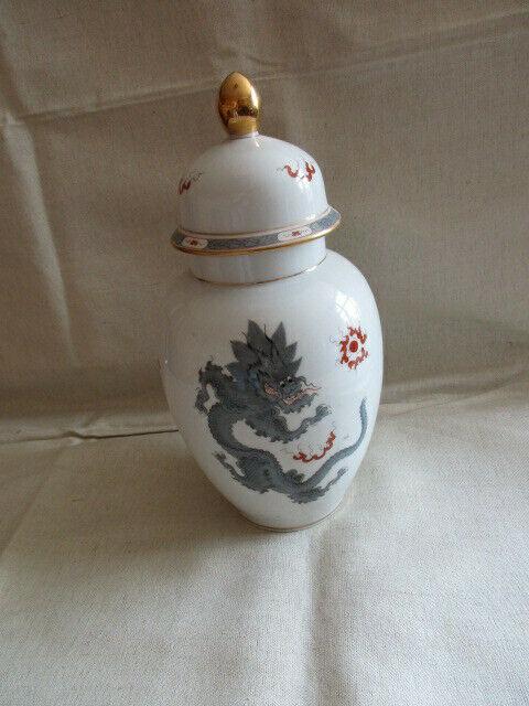 Freiberger Porzellan wunderschöne Deckelvase Vase schwarz grau Drachen Ming 2