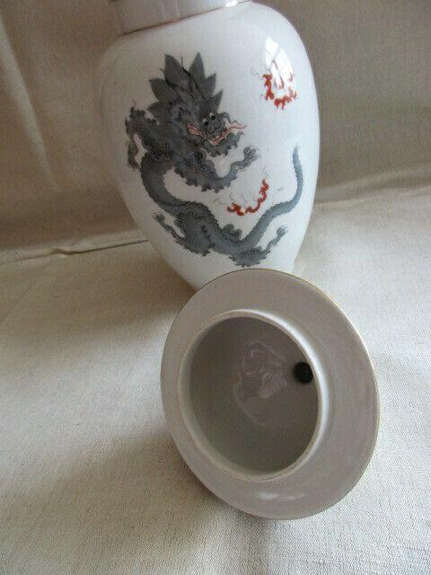 Freiberger Porzellan wunderschöne Deckelvase Vase schwarz grau Drachen Ming 5