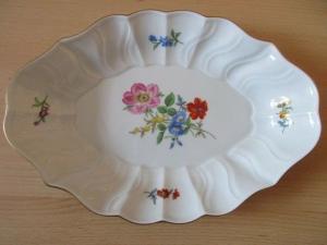 Meissen Porzellan Schale Blumen Relief 1. Wahl 26,5 x 19 x 4,5 cm TOP