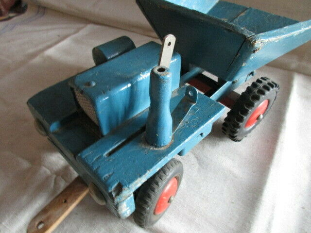 Dumper Holzauto der Firma ROFU  Magdeburg 2