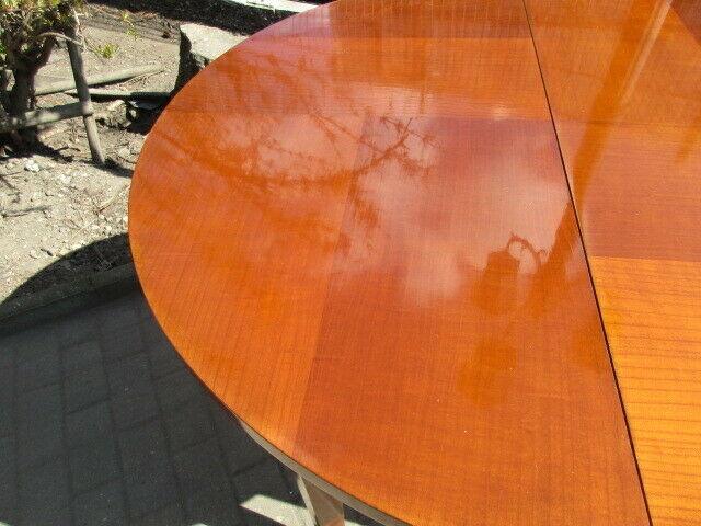 Runder Tisch zum Ausziehen Jugendstil um 1900 Nussbaum 1