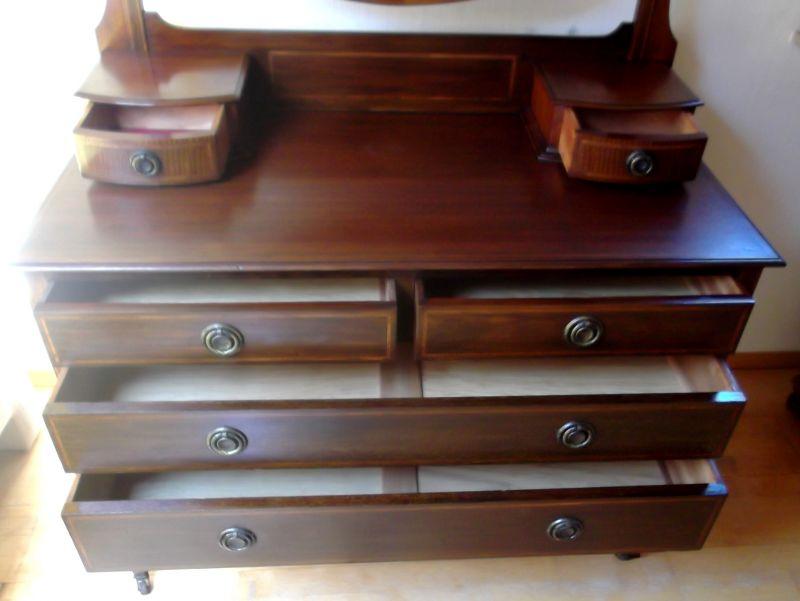 gro e spiegelkommode friesir schmikkommode um 1900 hergestellt auf rollen mahagoniholz. Black Bedroom Furniture Sets. Home Design Ideas