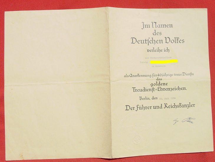 (2001184)  Verleihungs-Urkunde 'Goldene Treudienst-Ehrenzeichen. Berlin 1938. Siehe bitte Beschreibung.