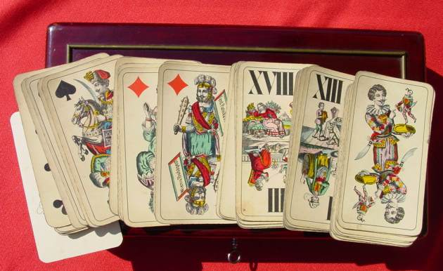(1018804) Uralte Spiele-Kassette um 1890 ? Wunderschöner, alter Spielekasten mit Inhalt.