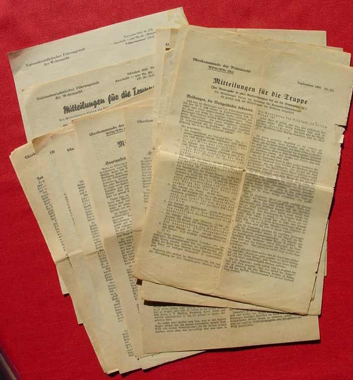 (2001443-59) 17 x 'Mitteilungen für die Truppe' OKW 1941-1944 Weltkrieg II. Siehe bitte Beschreibung u. Bilder ...