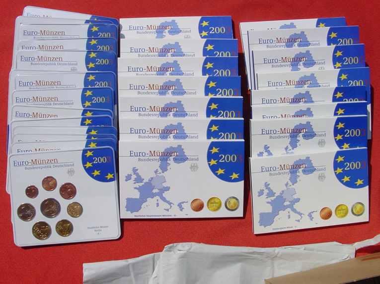 (1038885) 30 x Kursmünzen-Sätze Deutschland 2003. Spiegelglanz (PP) und Stempelglanz. Siehe bitte Beschreibung.