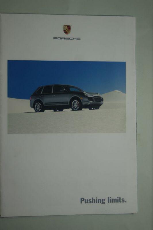 Porsche: Porsche Info-Poster gefaltet Pushing limits 2002