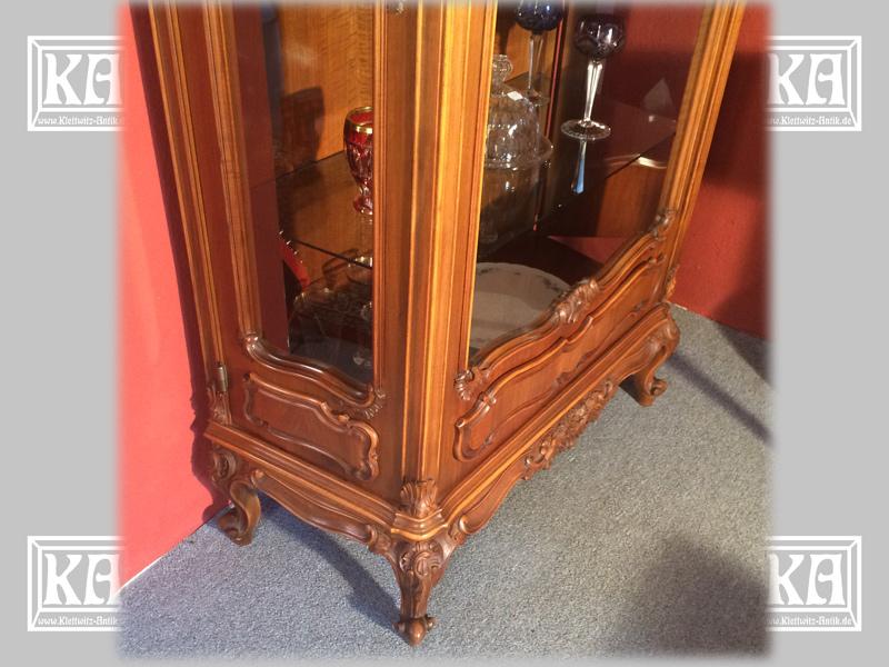 nu baum vitrine stilm bel um 1920 nr c116 oldthing. Black Bedroom Furniture Sets. Home Design Ideas