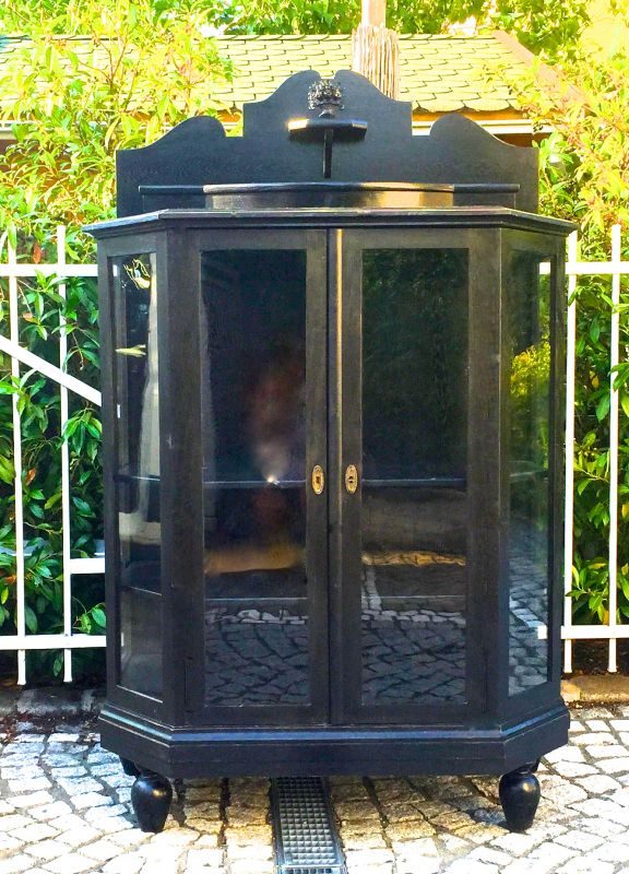 antike vitrine oldthing kommoden mit aufsatz. Black Bedroom Furniture Sets. Home Design Ideas