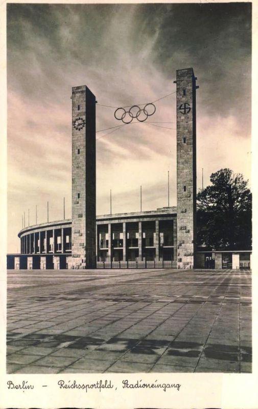 1936, Reichssportfeld, Stdioneingang, Glockenturm - AK gelaufen 1940