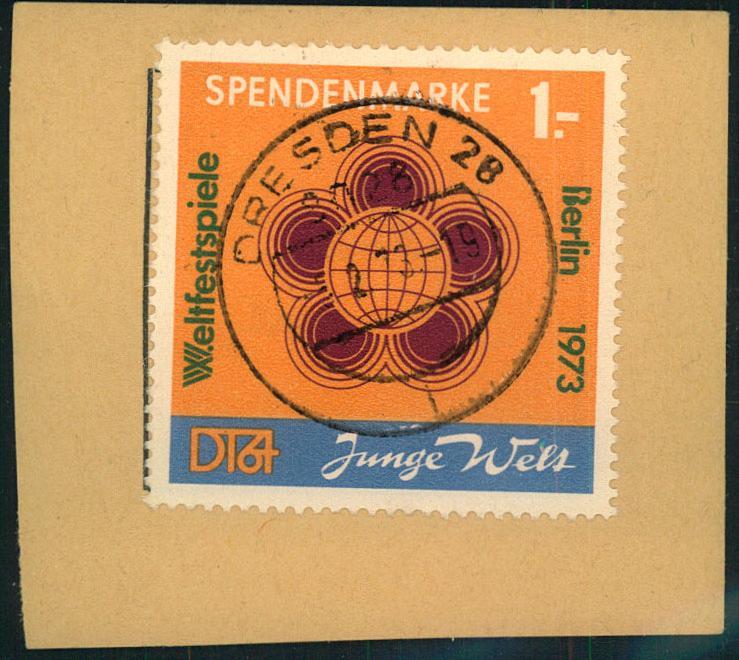 1973 1,- Mark Spendenmarke glasklar zentrisch gestempelt auf Briefstück.