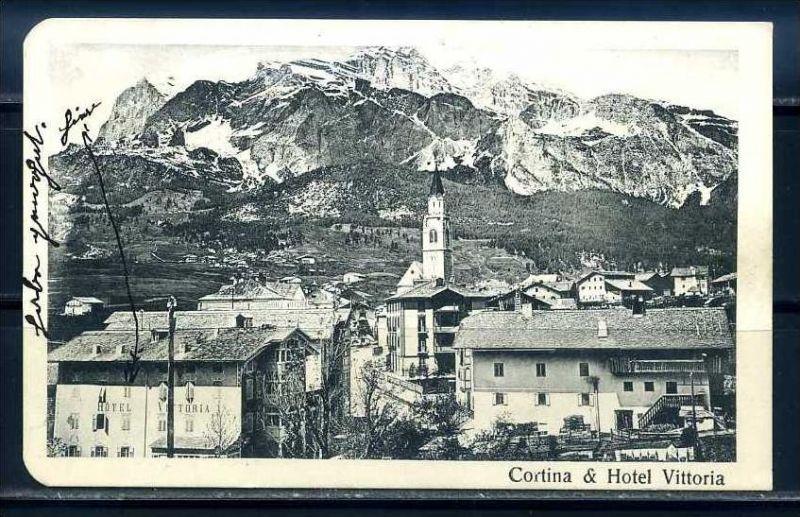 K10795)Ansichtskarte: Cortina D` Ampezzo, Hotel Vittoria