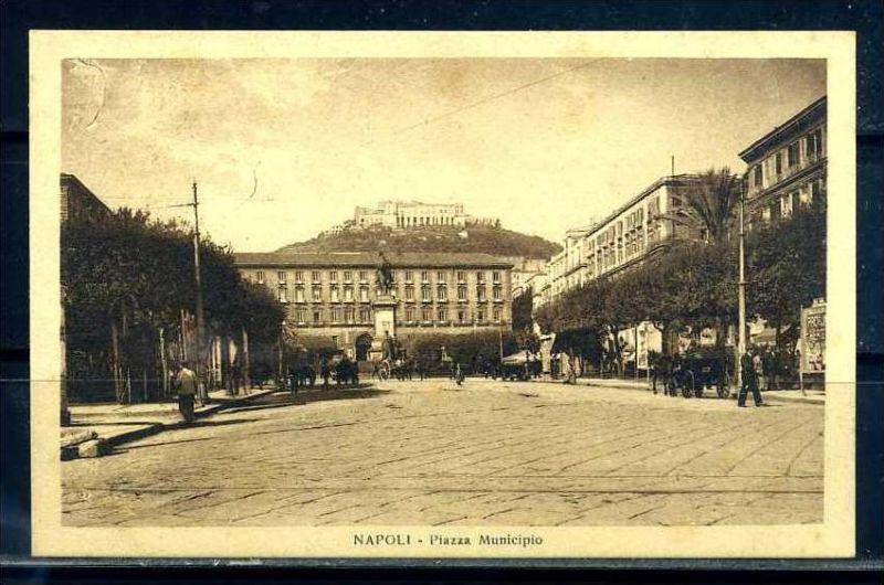 K10674)Ansichtskarte: Neapel, Piazza Municipio