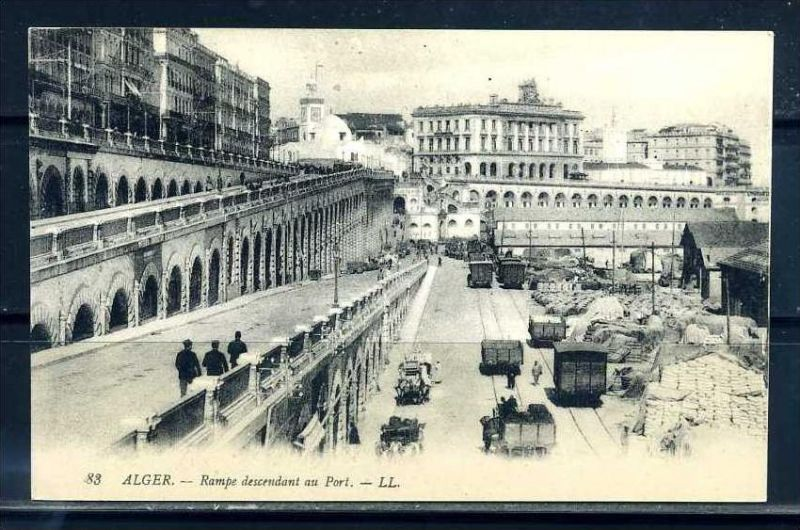 K11057)Ansichtskarte: Algier, Les Rampes et les Quais