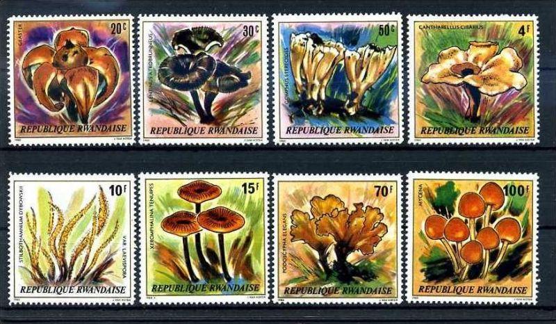 E24622)Pilze, Ruanda 1051/8**
