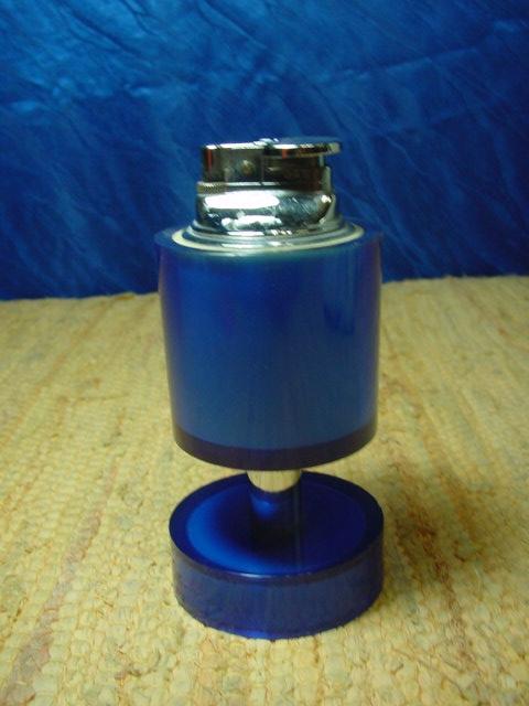 B176/ Tischfeuerzeug blau 70 er Jahre