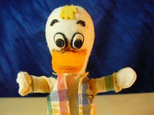 B17/ Alte Donald Duck Figur