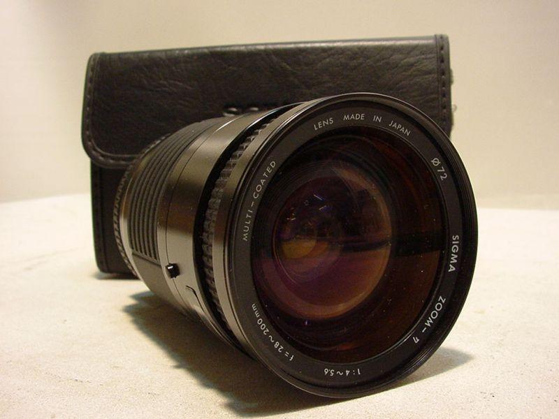C484/ Sigma Zoom 1:4 ~ 5x6 f=28~200mm in Tasche