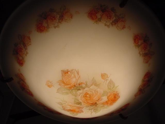 D31/ ART DECO Lampenschale mit Rosenmuster