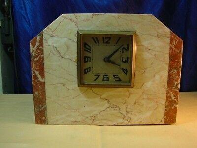 B27/  Uhr im Marmorgehäuse
