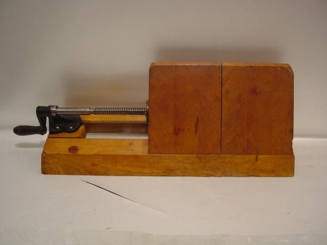 D181/ Einspannblock aus Holz Fa. Steiner