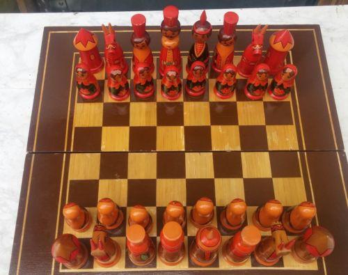 E811/ Schachspiel Holzfiguren