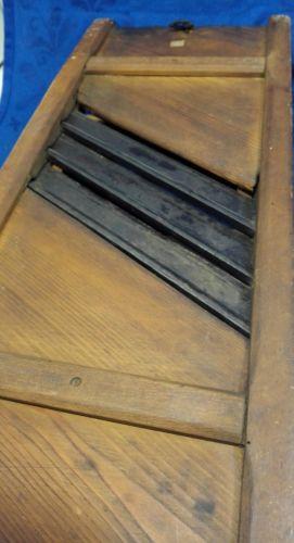 e985 sehr alter krauthobel gurkenhobel gem sehobel aus holz mit 3 messern nr 362216104412. Black Bedroom Furniture Sets. Home Design Ideas