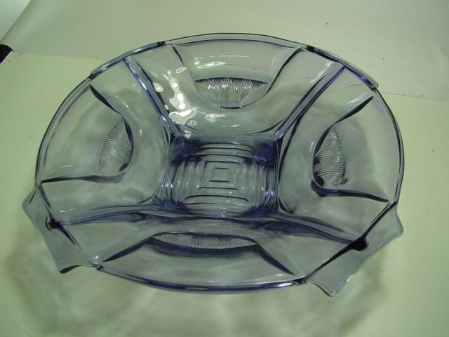 B616/ Glasschale lila ca. 32cm