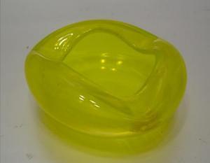 B903/ Glas Aschenbecher gelb