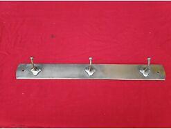 E355/ alte antike Hakenleiste Garderobenleiste Metall . Aus Messing, vernickelt.
