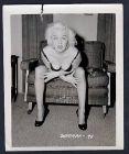 1960 Unterwäsche chair lingerie Erotik nude vintage Dessous pin up Foto photo