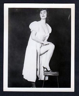 1960 Unterwäsche lingerie Erotik nude vintage Dessous Hocker pin up Foto photo