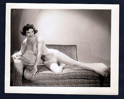 1960 Unterwäsche lingerie Erotik nude vintage Dessous pin up photo Foto Sofa