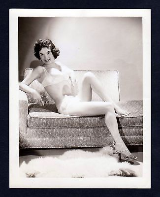 1960 Unterwäsche lingerie Erotik nude vintage couch pin up Foto photo Dessous