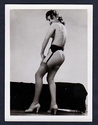 1960 Unterwäsche lingerie Erotik straps nude vintage Dessous pin up Foto photo