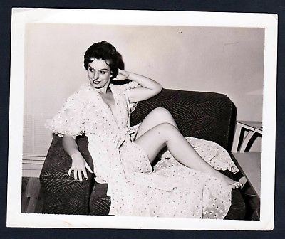 1960 Unterwäsche lingerie Erotik nude Wickelkleid vintage Dessous photo Foto