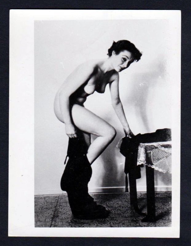 1960 Unterwäsche lingerie Busen Erotik nude vintage Dessous pin up Foto photo