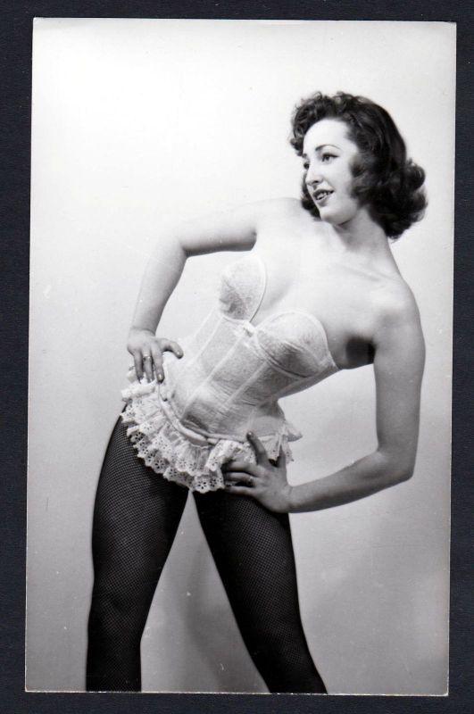 1960 Unterwäsche lingerie Erotik nude vintage Dessous pin up Posen Foto photo