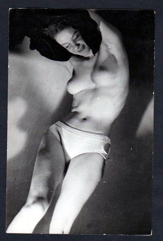 1960 Unterwäsche lingerie boobs Erotik nude vintage Dessous pin up Foto p 114948