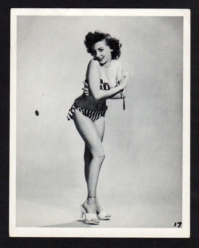 1960 Unterwäsche lingerie Erotik nude vintage Dessous pin up Foto photo Clogs