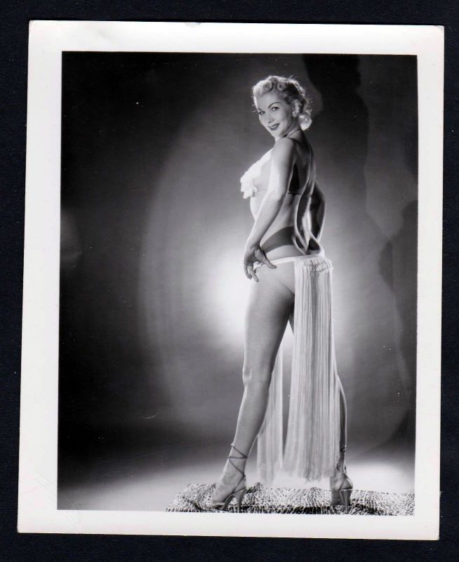 1960 Unterwäsche lingerie Erotik nude vintage Pose Dessous pin up Foto photo