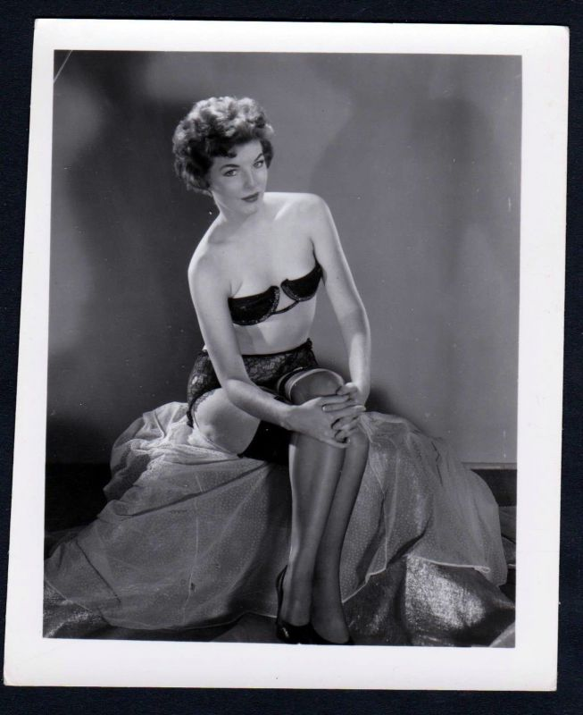 1960 Unterwäsche lingerie Erotik nude vintage Dessous Foto photo short hair