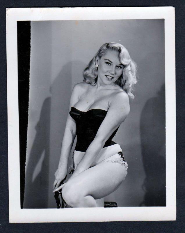 1960 Unterwäsche lingerie Erotik nude Foto vintage Korsage Dessous pin up photo
