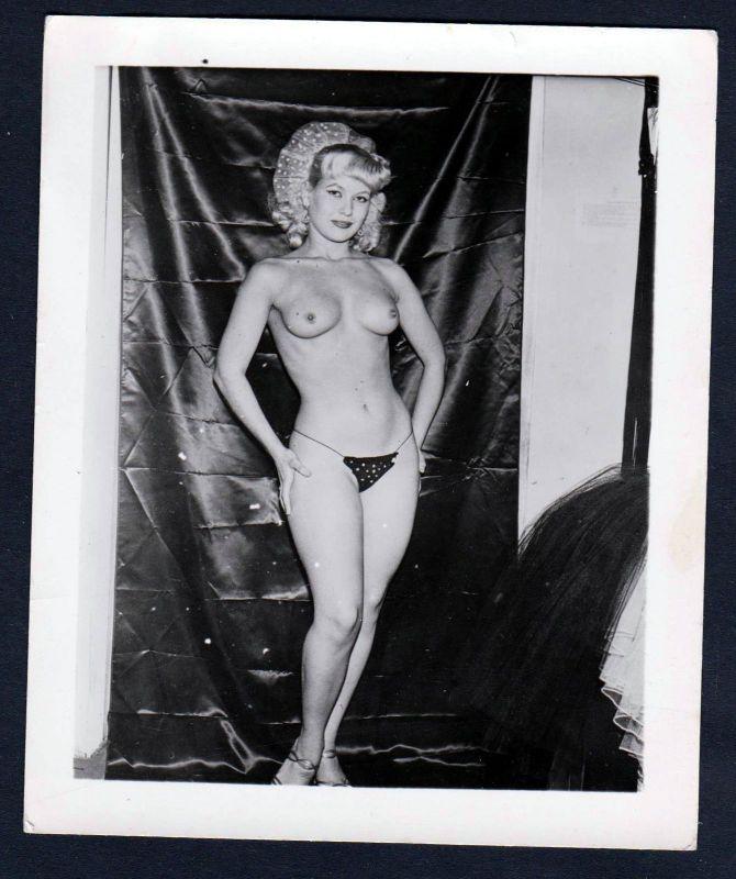 1960 Unterwäsche lingerie Erotik nude vintage Busen pin up Foto photo String 0
