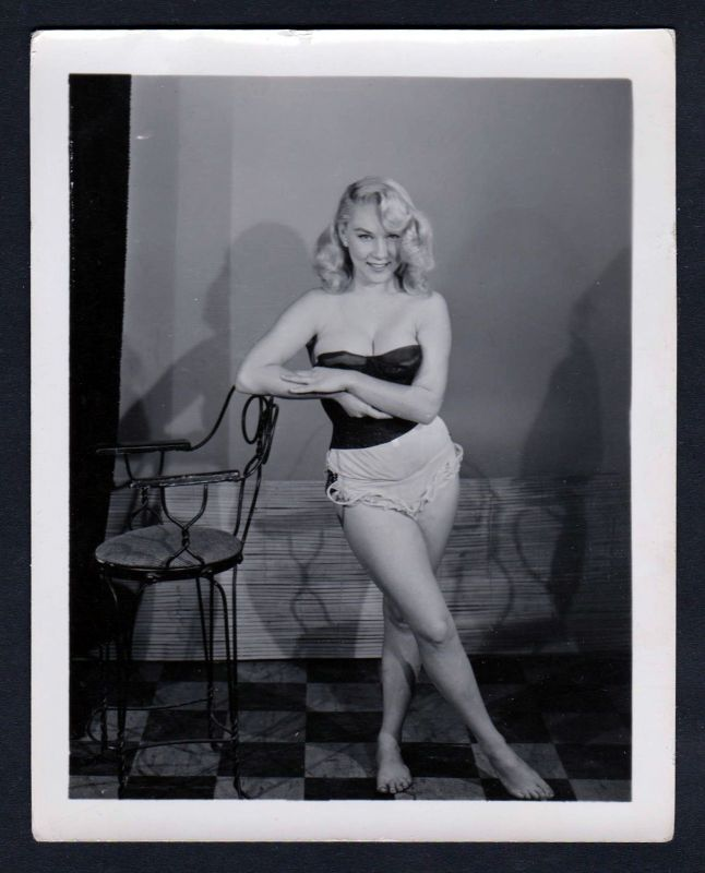 1960 Unterwäsche lingerie Erotik blonde nude vintage Dessous pin up Foto  114907