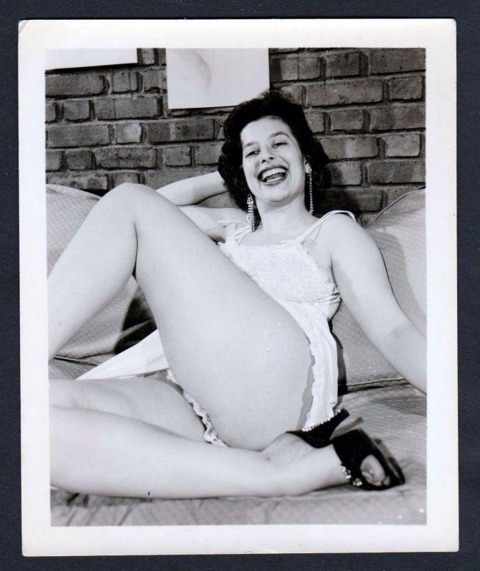 1960 Unterwäsche lingerie Erotik nude vintage Dessous pin up photo Foto smile